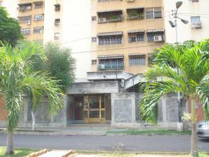 Apartamento En Ventaen Maracay, Urbanizacion El Centro, Venezuela, VE RAH: 19-2317