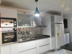 Apartamento En Ventaen Ciudad Bolivar, Av La Paragua, Venezuela, VE RAH: 19-2328