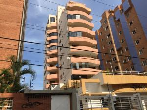 Apartamento En Ventaen Lecheria, Complejo Turistico El Morro, Venezuela, VE RAH: 19-2388