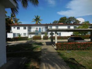 Apartamento En Ventaen Rio Chico, Los Canales De Rio Chico, Venezuela, VE RAH: 19-2394
