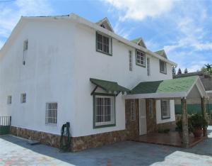 Casa En Ventaen San Antonio De Los Altos, Club De Campo, Venezuela, VE RAH: 19-2480