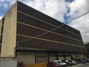 Local Comercial En Alquileren Caracas, Los Cortijos De Lourdes, Venezuela, VE RAH: 19-2551