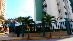 Apartamento En Ventaen Valencia, Los Mangos, Venezuela, VE RAH: 19-2574
