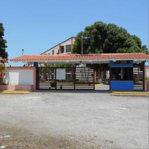 Apartamento En Ventaen Rio Chico, Las Mercedes De Paparo, Venezuela, VE RAH: 19-2687