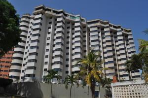 Apartamento En Ventaen Catia La Mar, Playa Grande, Venezuela, VE RAH: 19-2696