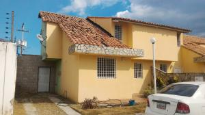 Townhouse En Ventaen La Morita, Villas Caribes, Venezuela, VE RAH: 19-2699