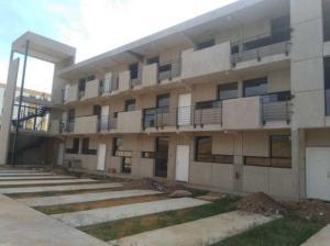 Apartamento En Ventaen Municipio San Francisco, La Coromoto, Venezuela, VE RAH: 19-2945
