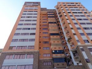 Apartamento En Alquileren Valencia, La Trigaleña, Venezuela, VE RAH: 19-3050