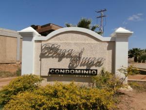 Apartamento En Ventaen Coro, Plaza Suiza, Venezuela, VE RAH: 19-3001