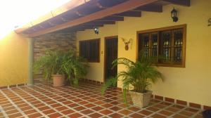 Casa En Ventaen Turmero, Villas Del Este, Venezuela, VE RAH: 19-3034