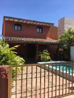 Casa En Ventaen Lecheria, Casas Bote C, Venezuela, VE RAH: 19-3081