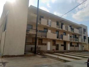 Apartamento En Ventaen Municipio San Francisco, La Coromoto, Venezuela, VE RAH: 19-3127