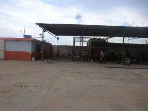 Galpon - Deposito En Ventaen Municipio San Francisco, El Bajo, Venezuela, VE RAH: 19-3130