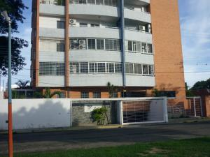 Apartamento En Ventaen Maracay, Los Caobos, Venezuela, VE RAH: 18-9464