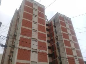 Apartamento En Ventaen Maracay, Los Caobos, Venezuela, VE RAH: 19-161