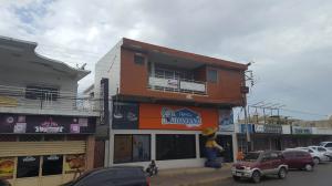 Edificio En Ventaen Coro, Avenida Independencia, Venezuela, VE RAH: 19-3155