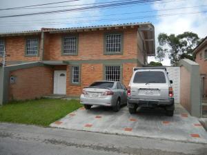 Casa En Ventaen San Antonio De Los Altos, Club De Campo, Venezuela, VE RAH: 19-3163