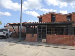 Townhouse En Ventaen Guarenas, Ciudad Casarapa, Venezuela, VE RAH: 19-3953