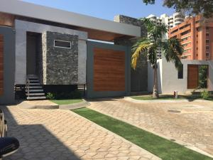 Townhouse En Ventaen Maracaibo, Virginia, Venezuela, VE RAH: 19-3206
