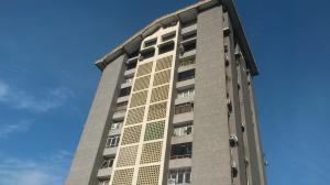 Apartamento En Ventaen Maracay, Urbanizacion El Centro, Venezuela, VE RAH: 19-3218