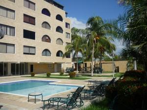 Apartamento En Ventaen Tucacas, Tucacas, Venezuela, VE RAH: 19-3233