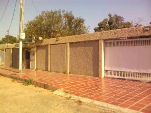 Casa En Ventaen Municipio San Francisco, Sierra Maestra, Venezuela, VE RAH: 19-3237