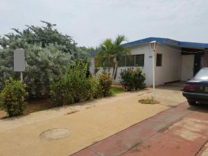 Casa En Ventaen Municipio San Francisco, La Coromoto, Venezuela, VE RAH: 19-3247
