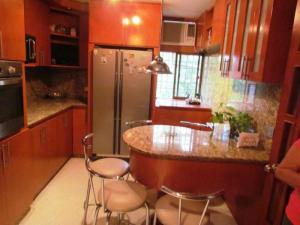 Apartamento En Ventaen Maracaibo, Avenida Delicias Norte, Venezuela, VE RAH: 19-3255