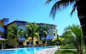 Apartamento En Ventaen Higuerote, Club Campestre El Paraiso, Venezuela, VE RAH: 19-3282