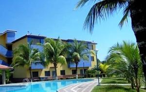 Apartamento En Ventaen Higuerote, Club Campestre El Paraiso, Venezuela, VE RAH: 19-3283