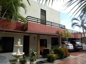 Casa En Ventaen Maracay, La Floresta, Venezuela, VE RAH: 19-3289