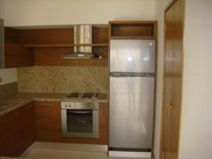 Apartamento En Alquileren Maracaibo, Avenida El Milagro, Venezuela, VE RAH: 19-3375