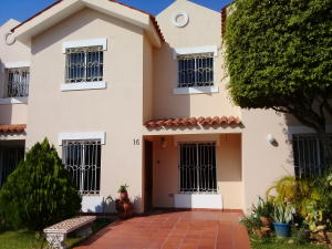 Townhouse En Alquileren Maracaibo, Canchancha, Venezuela, VE RAH: 19-3400