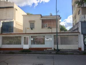 Casa En Ventaen Caracas, Los Chaguaramos, Venezuela, VE RAH: 19-3429