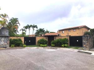 Casa En Ventaen Caracas, La Lagunita Country Club, Venezuela, VE RAH: 19-3438
