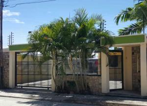 Casa En Ventaen Guacara, La Floresta, Venezuela, VE RAH: 19-3435