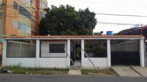 Casa En Ventaen Maracaibo, Santa Maria, Venezuela, VE RAH: 19-3466