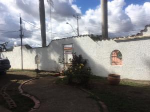 Casa En Ventaen El Tigre, Sector Avenida Intercomunal, Venezuela, VE RAH: 19-3539