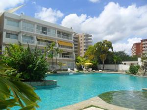 Apartamento En Ventaen Higuerote, Puerto Encantado, Venezuela, VE RAH: 19-3543