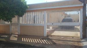 Casa En Ventaen Municipio San Francisco, El Soler, Venezuela, VE RAH: 19-3645