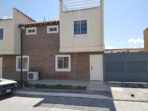 Townhouse En Ventaen Cagua, Corinsa, Venezuela, VE RAH: 19-2653