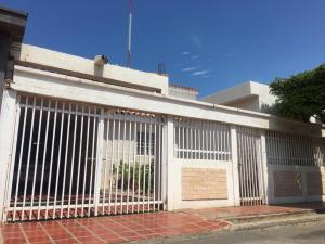 Casa En Ventaen Maracaibo, Maracaibo, Venezuela, VE RAH: 19-3711