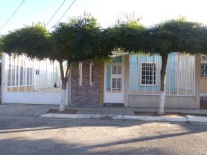 Casa En Ventaen Barquisimeto, Parroquia El Cuji, Venezuela, VE RAH: 19-3726