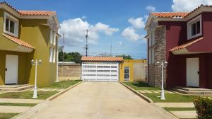 Townhouse En Ventaen Coro, Centro, Venezuela, VE RAH: 19-3735