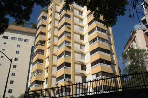 Apartamento En Ventaen Caracas, Colinas De Bello Monte, Venezuela, VE RAH: 19-3767