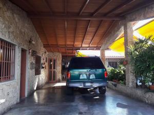 Casa En Ventaen Maracay, Andres Bello, Venezuela, VE RAH: 19-3757