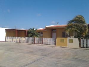 Casa En Ventaen Punto Fijo, Puerta Maraven, Venezuela, VE RAH: 19-3794
