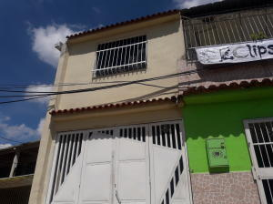 Casa En Ventaen Valencia, Avenida Las Ferias, Venezuela, VE RAH: 19-3801
