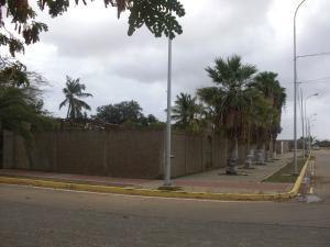 Terreno En Ventaen La Vela De Coro, Intercomunal Coro La Vela, Venezuela, VE RAH: 19-3911