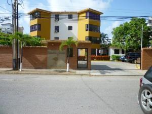 Apartamento En Ventaen Higuerote, Agua Sal, Venezuela, VE RAH: 19-3956